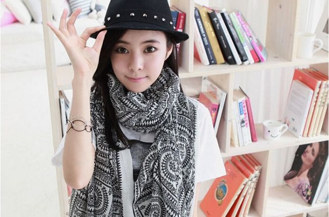 black-and-white-scarf